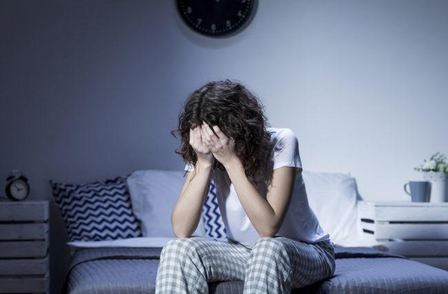 Como combater a insônia com 3 ações, 10 frases + 1 dica especial